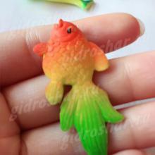 Красочная рыбка растущая в воде, 1 шт